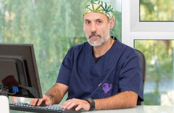 dr.sc. Vasilije Stambolija, dr.med.